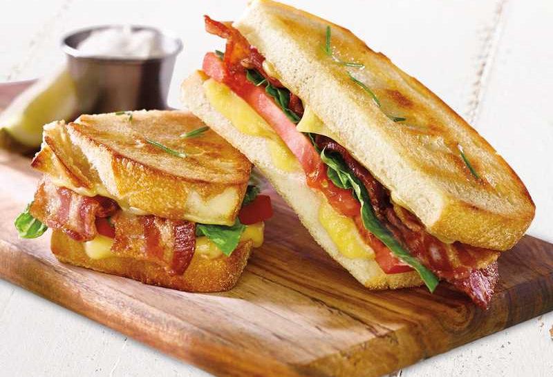 HyVeeMarketGrille_Sandwich